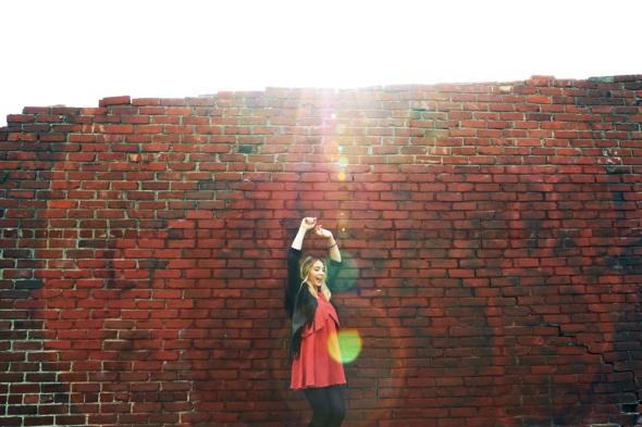 hayley-reardon-red-brick-wall-by-lindsay-brandt