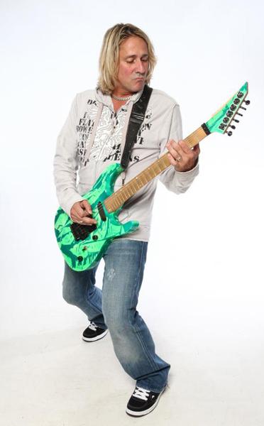 john-mccarthy-green-guitar-600